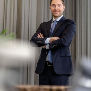 Max Kanoniczak | RUHR REAL GmbH