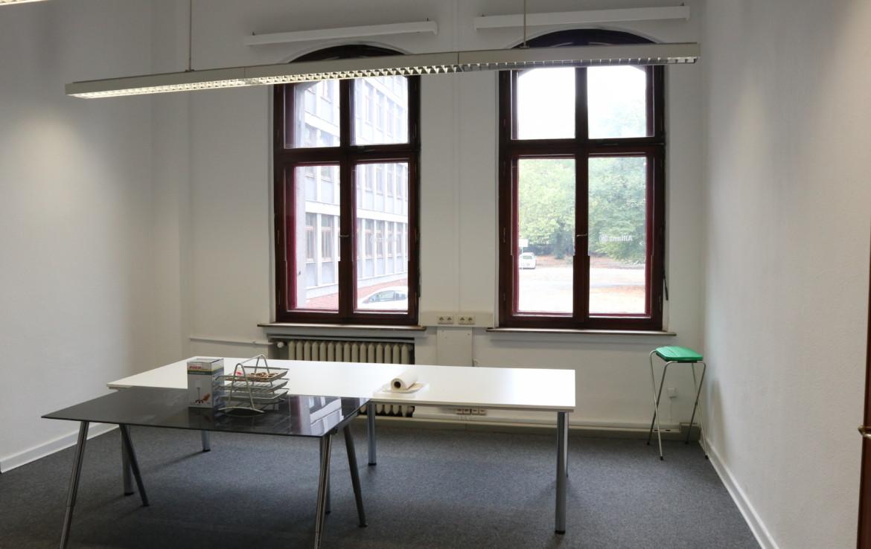 Lichtdurchfluttete Büros