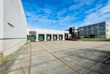 RUHR REAL vermittelt 2.950 m² Hallenfläche und 440 m² Bürofläche in Moers